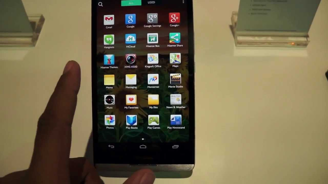Hisense X1 - the biggest Android phone at CES 2014