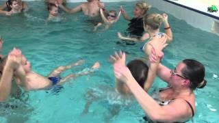 Плавание для грудничков--Обучение плаванию в бассейне в Минске для детей (Курсы,Секция,занятия)