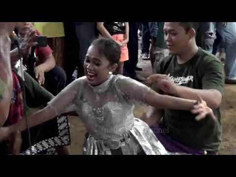 Putri Maheswari Ditambani Tembang Pamit Mulih Mas Gatot Ft Danik  | @Kudho Satriyo Sayidan