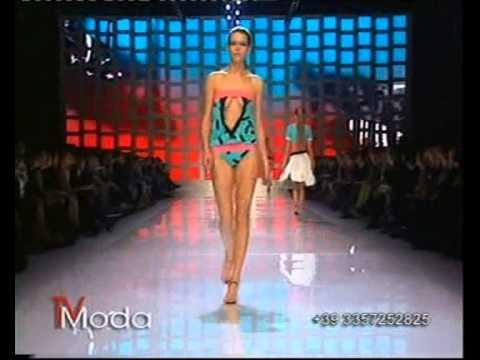 Oops catwalk FashionTV HOT