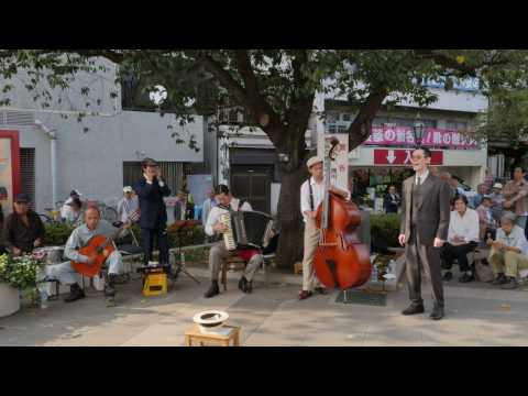 【4K】Showa kayokyuku - Street performance in Asakusa - Part 1