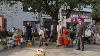 【4K】Showa kayokyuku - Street performance in Asakusa - Part 1
