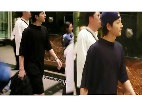 Joongki spotted , Mr.Kang and Asadal Chronicle staff going to the Mall in Brunei💙