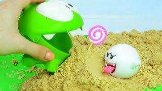 Ам Ням Кінетичний Пісок і Машинка - граємо в іграшки. Чарівне слово / Om Nom and Magic Word