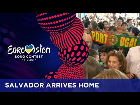 Salvador Sobral gets welcomed home with open arms!