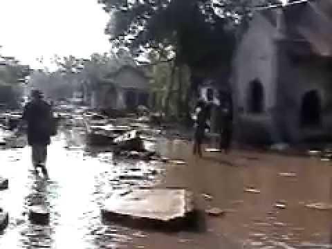 2004 Boxing Day tsunami, Hikkaduwa, Sri Lanka