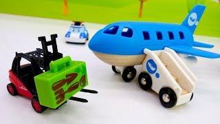 Spielzeugvideo für Kinder - Die Helfer Autos am Flughafen – Kindervideo auf Deutsch