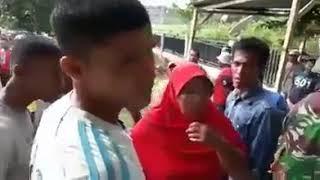 Video Heboh! Oknum Polisi dan Bidan Ketangkap Basah Selingkuh Oleh Warga download MP3, 3GP, MP4, WEBM, AVI, FLV Februari 2018