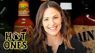 "Jennifer Garner Says ""Golly"" While Eating Spicy Wings 