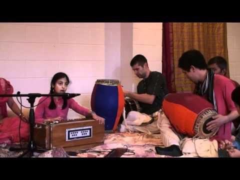 Bhajan - 24hr Kirtan - Radhika - 14/26