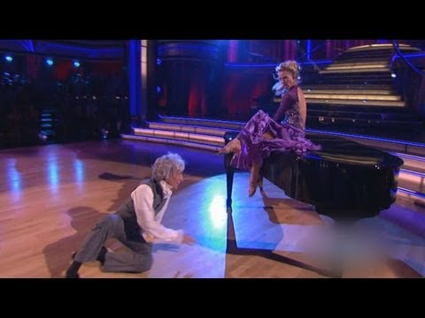 Bill Nye Injured on 'Dancing With the Stars,' Now in Crutches After Slip on Dance Floor