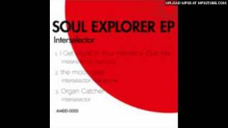 Interselector - The Moon Gate Feat Aroma (Original Mix)