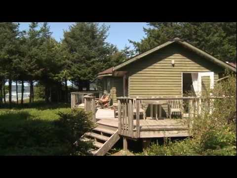 Long beach Seashack Cottage on Vancouver Island, film by Thierry Damilano