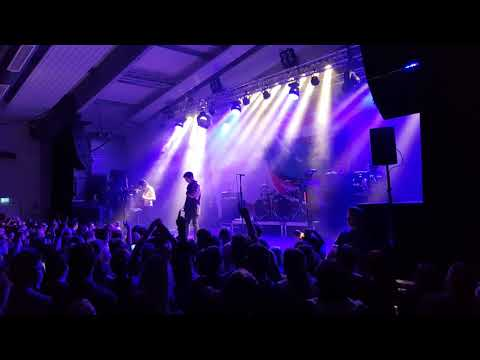 02 - Falling In Reverse - Sink Or Swim (live @ Technikum München/Munich - 30.01.2018)