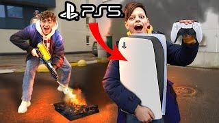 РАЗБИЛ МЛАДЕШЕМУ БРАТУ PS4 И ПОДАРИЛ НОВУЮ PS5!
