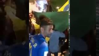 Baixar Paquistaneses comemoram nas ruas do Paquistão a vitória do Brasil na Copa do Mundo da Rússia 2018