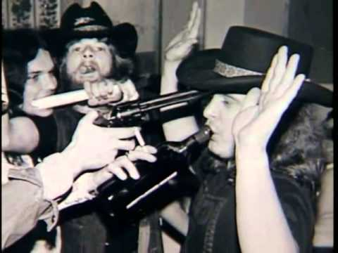 Lynyrd Skynyrd video/pics with Sweet Home Alabama