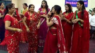www.nepalmother.com presents Nepali Teej geet dance 2009 Manassas USA part - 3