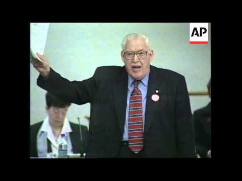 N IRELAND: UNIONIST LEADERS DAVID TRIMBLE AND IAN PAISLEY CLASH