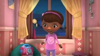 Klinika dla pluszaków - Piżamowe przyjęcie u Emilki. Oglądaj tylko w Disney Junior!