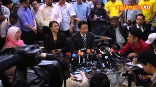 JURNAL BERITA: Tun M kritik pemimpin kanan Umno bodek Najib