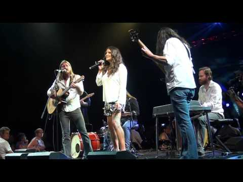 Adam Eckersley Band with Brooke McClymont - Give Her The World