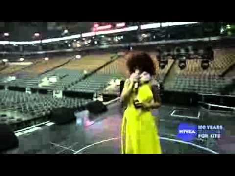 Rihanna - LOUD Tour Behind the Scenes: #4