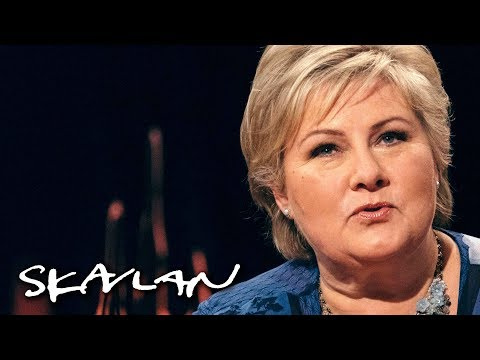Prime minister Erna Solberg was frying meatballs when Angela Merkel called | Skavlan