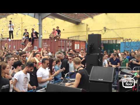 dancefloor Tv. RICHIE HAWTIN LONDON IN THE STREETS CAR PARKING (dotUP free gig) - 05/05/2013