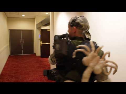 DragonCon 2013 - USCM Aliens Smartgunner Cosplay