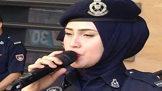 Akak Polis Cantik, Soffwany Yusoff Cover Lagu Menahan Rindu...Fuhhh