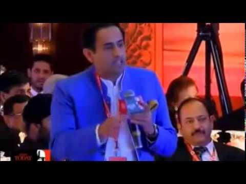 Must watch how Rahul Kanwal exposes Arvind Kejriwal !