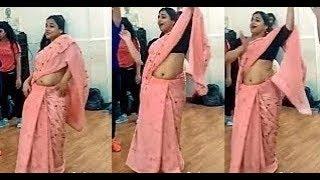 Vidya Balan Hot Navel Show