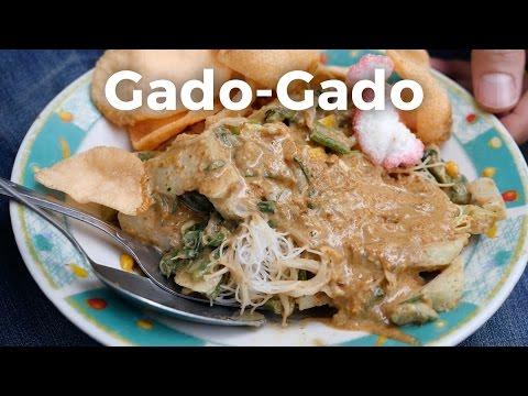 Jakarta Street Food - Local Indonesian Gado-Gado!