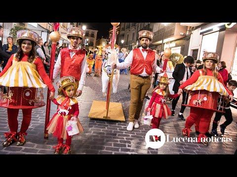VÍDEO: La alegría y el colorido del pasacalles del Carnaval de Lucena