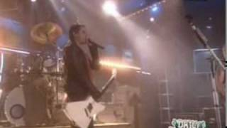 30 Seconds To Mars - Attack   Live on Fuse (2005)