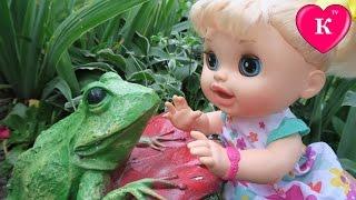 Кукла Пупсик  на прогулке   Беби Элайв мультик с куклой Видео для девочек