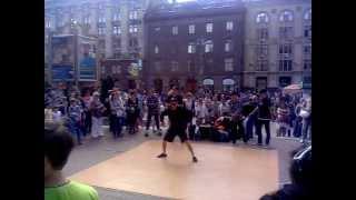 Танці на вулицях Києва (відео 1)