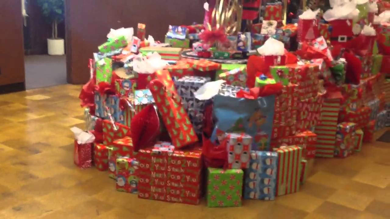 Christmas Tree with Tons of Presents - YouTube