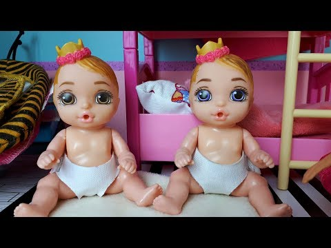 Morning Baby Born Surprise dolls and Barbie mom I How to play with Barbie - Play dolls baby room