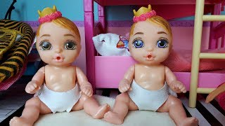 Morning Baby Born Surprise dolls and Barbie mom I How to play with Barbie - Play dolls baby room thumbnail