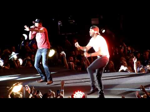 Cole Swindell and Luke Bryan - Chillin' It