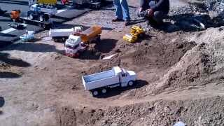 Download Video PART-1 10/11/13 istanbul Meeting Rc Truck Construction Kumandalı Kamyon TIR Buluşması MP3 3GP MP4