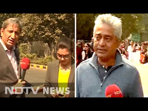 Prime Time: Journalists march to protest against attacks on media personnel