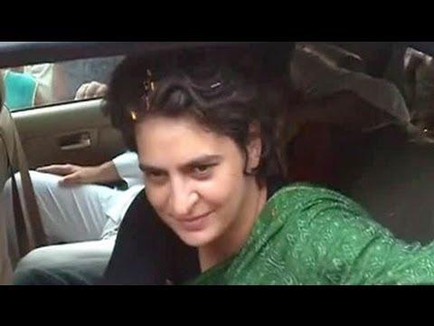 """Who?"" asks Priyanka Gandhi Vadra on Smriti Irani"