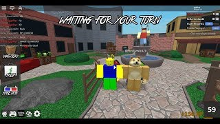 playing mm2 with my friend (roblox)