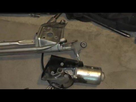 Как снять моторчик дворников на приоре