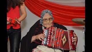 Nonna suona l'organetto  Show Italiano en Argentina  Cristian Provenzano & Noelia Ciccioli