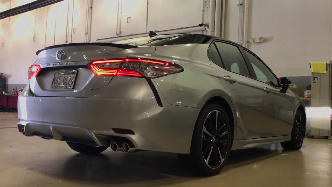all new camry 2018 black grand avanza veloz 1.5 toyota xse 2 tone silver and with red leather interior