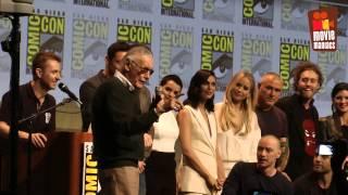 biggest superhero-selfie ever! - end of 20th Century Fox panel at Comic-Con 2015 Stan Lee
